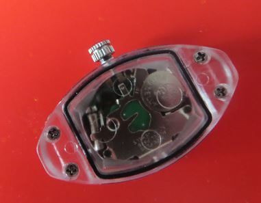 Knopfzelle im Uhrengehäuse - kostenloses und lizenzfreies Foto